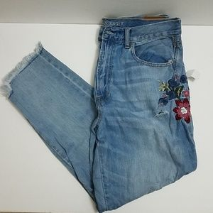 AE Embroidered Mom Jeans 12Short Nwt